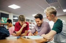 Stor international undersøgelse: Danske lærere har styr på klassen