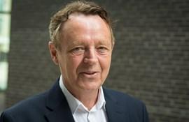 """Foto af forskningschef Martin Bayer i anledning af interview om hans bog """"Person - Pædagogik, profession og forskning""""."""