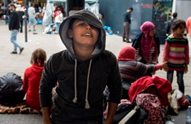 Underskrift-indsamling mod lovforslag om flygtningebørn