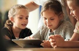 Markedsandelen for digitale læremidler er mere end tidoblet på seks år og udgør nu godt en tredjedel af det samlede marked for læremidler.
