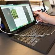 """""""Eleverne bruger i højere grad deres Surface Pro 2 maskine i deres daglige skiftende arbejde, fordi den er nem at have med rundt"""", konstaterer afdelingsleder Visti Søvsø Hansen fra Kompetencecenter for Læsning i Aarhus."""