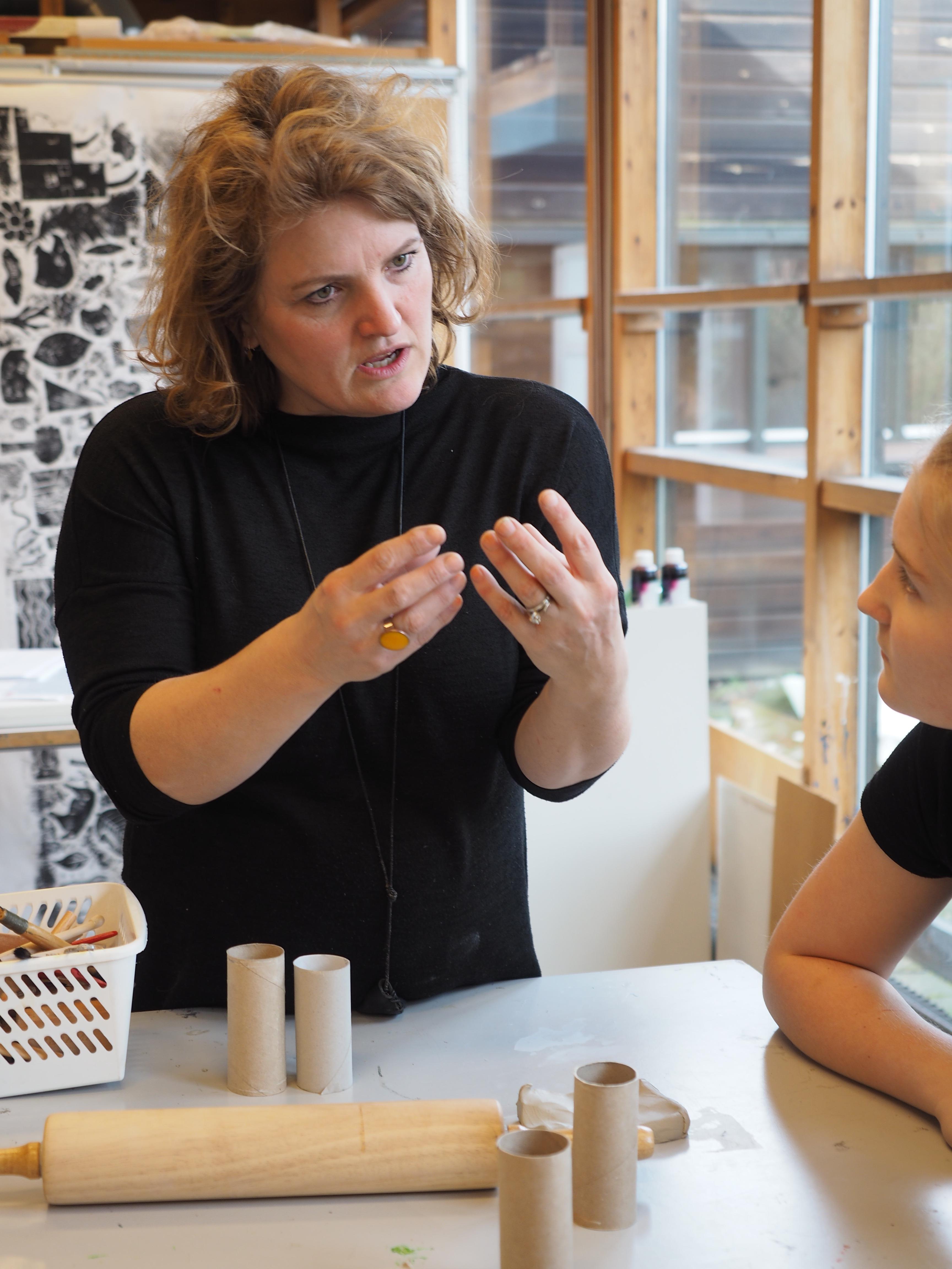 Keramik i håndværk & design - en introduktion til brug af keramik i faget fra 3. til 8. klasse